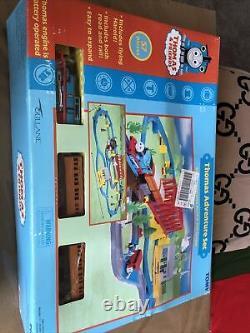 2001 Tomy Thomas & Friends Thomas Adventure Set 7408 Road & Rail System