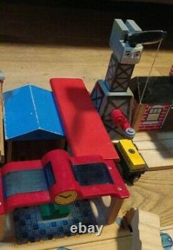 Brio /Wooden Train Railway & Road Track Bundle Thomas The Tank. Loads Extras
