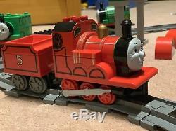 Duplo thomas the tank engine