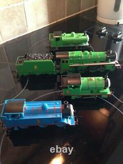 HORNBY OO GAUGE THOMAS THE TANK ENGINES THOMAS HENRY PERCY DUCK please read