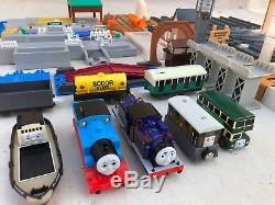 HUGE Thomas The Tank Engine Lot Tracks / Railroad Set TOMY