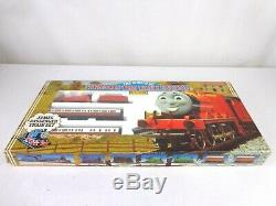 Hornby R094 James Passenger Set Thomas The Tank Engine Locomotive OO Gauge Rare