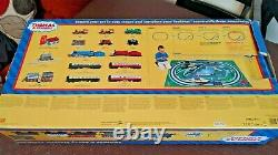 Hornby R9045 Thomas and Percy trainset Radio controlled Thomas the Tank Engine