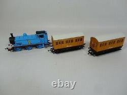 Hornby R9283 Thomas & Friends The Tank Engine Train Starter Set 00 Gauge Blue