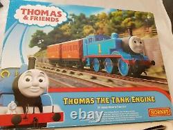 Hornby R9283 Thomas & Friends, Thomas The Tank Engine Train Starter Set VGC