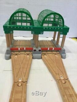 KNAPFORD STATION WITH LIGHTSThomas the Tank EngineSodor Wooden Train Railway
