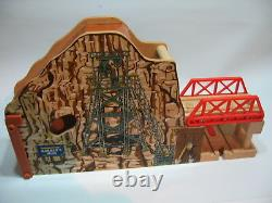 MORGAN'S MINE INTERACTIVE Wooden Train Track Set (Brio Thomas Railway)