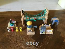 NILO Thomas the Train Table and Accessories