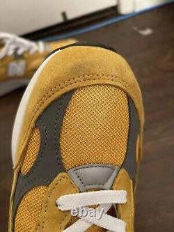 New Balance 992 Yellow Grey size 10