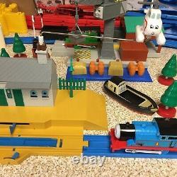 TOMY 2004 Thomas the Train Tank Engine Ultimate Set Motorized Road & Rail System