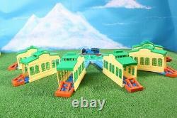 Thomas & Friends Tomy Metallic Plarail Big Turntable Engine Shed ToysRUs Japan