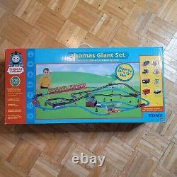Thomas & Friends Tomy Thomas Giant Set Motorized Road & Rail System