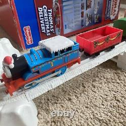 Thomas & Friends TrackMaster Railway Christmas Delivery Train Set (Around Tree)