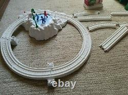 Thomas & Friends Trackmaster Railway CHRISTMAS DELIVERY Train Set COMPLETE! HTF
