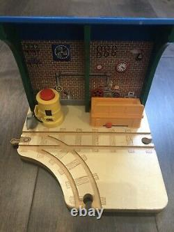 Thomas & Friends Wooden RAILWAY REPAIR AND GO STATION AT SODOR STEAMWORKS