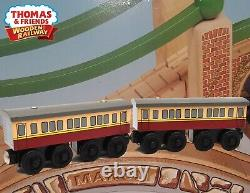 Thomas & Friends Wooden Railway1998 Express Coaches Lc99088 Extremely Rare