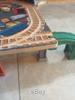 Thomas & Friends Wooden Railway Brendam Bay Sodor Shipping Co. DELUXE Set