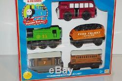 Thomas & Friends Wooden Railway Train Tank NEW 5-Car Gift Pack Henrietta