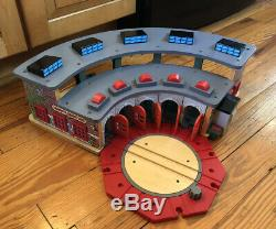 Thomas & Friends wooden Railway 2004 Deluxe Tidmouth Shed Roundhouse Set TALKING