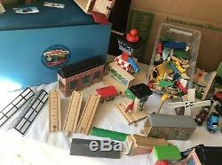 Thomas The Tank Engine & Friends (Lot of 200+) Wooden Train Set withAquarium