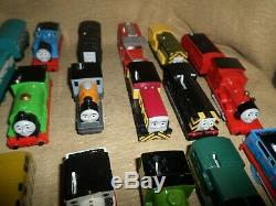 Thomas The Train Trackmaster Motorized lot includes 15+ Engines & many cars