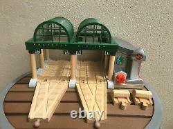 Thomas The Train Wooden Deluxe Lights and Sounds Knapford Station Works with Track