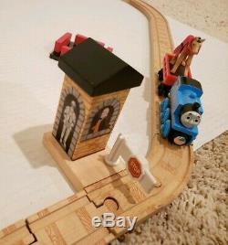 Thomas Wooden Railway King of the Railway Castle Set Rare Please Read