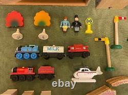 Thomas Wooden Railway Mountain Tunnel Set Clickity Clack RARE 100% Complete