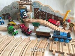 Thomas Wooden Train Mountain Gold Mine 62 Pieces Powered Motorized Engine