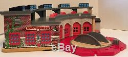 Thomas and Friends Wooden Railway Deluxe Tidmouth Shed Engine Roundhouse