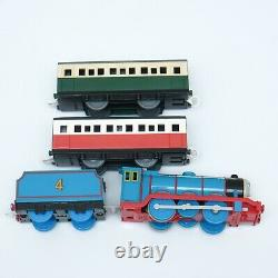 Thomas the Tank Engine Powerful Gordon, Angry Gordon with Green Express Coach