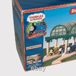 Thomas the Tank Train & Friends Knapford Station Deluxe Wooden Train Track NEW