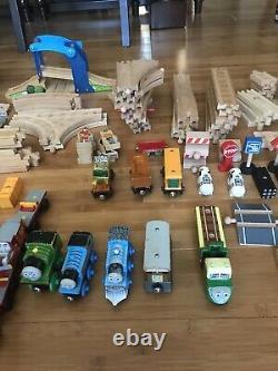 Thomas the Train Lot 130 Pieces Tracks, Trains, Buildings, People Wood Set