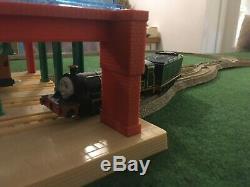 Trackmaster thomas & emily at knapford station very rare htf